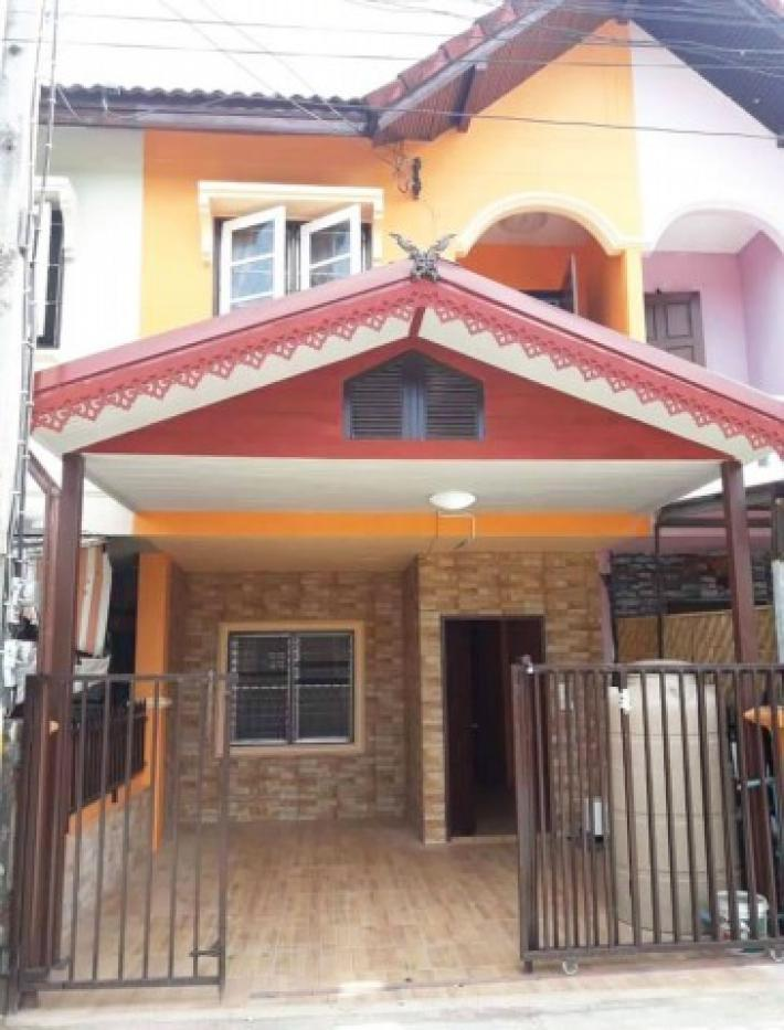 Townhouse for rent in town near Chiang Mai Cultural Center