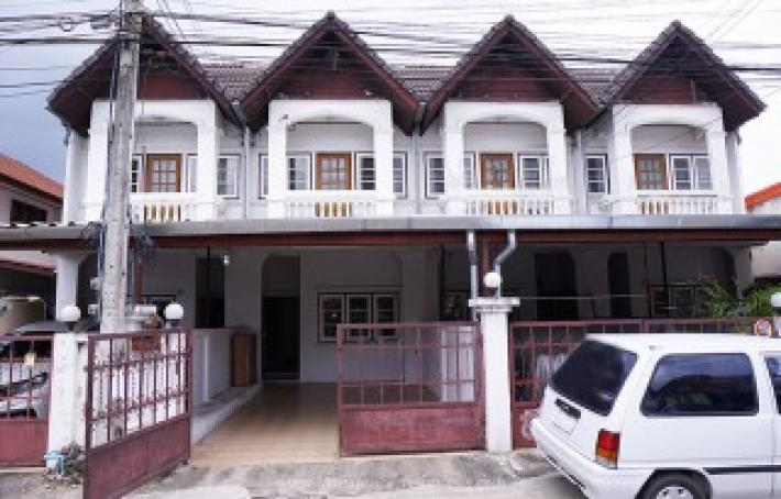 Townhouse for rent near Central plaza Chiangmai airport