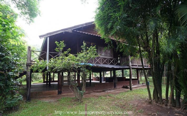 Teak wood house for rent near grand canyon hang dong chiangmai.