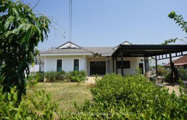 New house for rent 3 bedroom in community near Kad Farang hangdong.