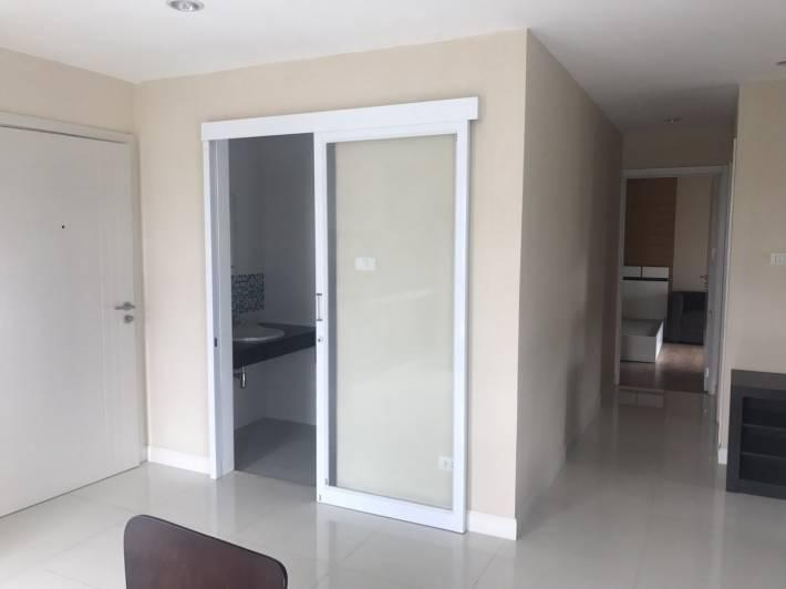Room for Sale + Renter contract 1 year