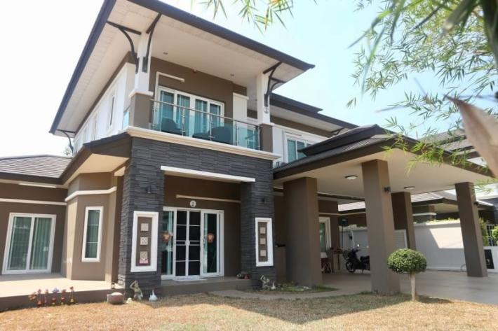 Luxury House for sale in Grand Tropicana project, Sansaran Housing Development, Nong Kwai, Hang Dong, Chiang Mai.