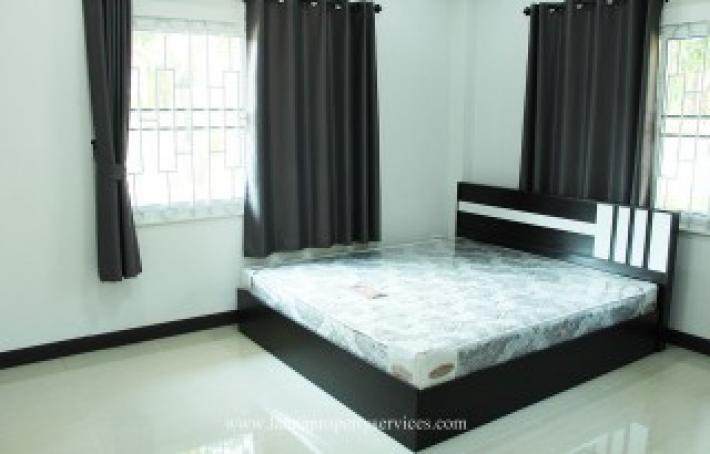 House for rent in community near Kad farang hangdong.